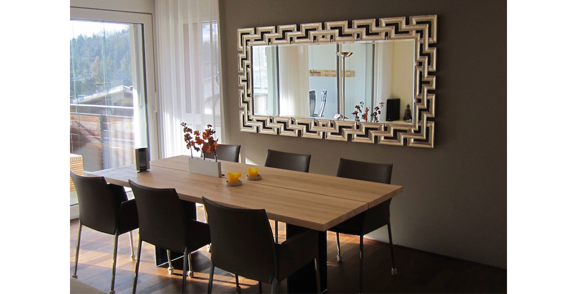 goldspiegel-esszimmer-tisch